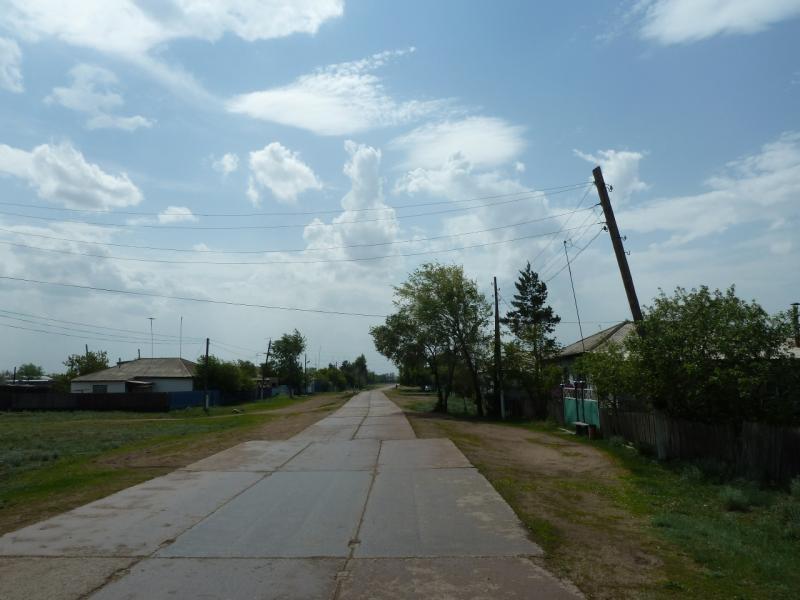 20120524. На юг, вдоль Иртыша: въезд в село Прииртышское.