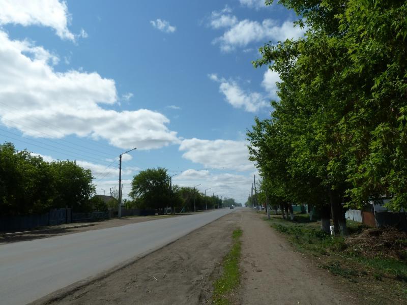 20120525. Домой, в Павлодар: улица села Иртышск.