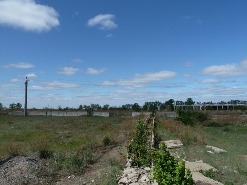 20120525. Домой, в Павлодар: развалины на окраине села Иртышск.
