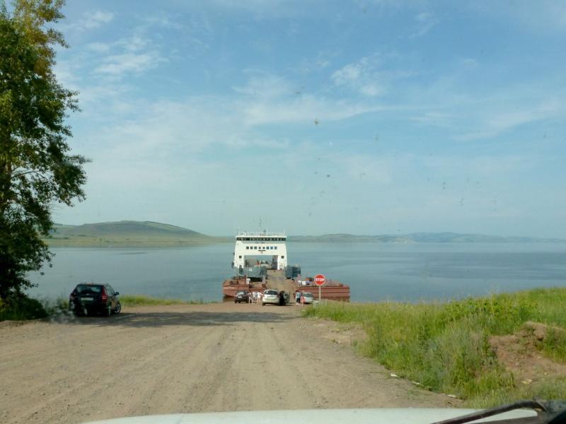 20180628. У паромной пристани под селом Новосёлово, на реке Енисей.