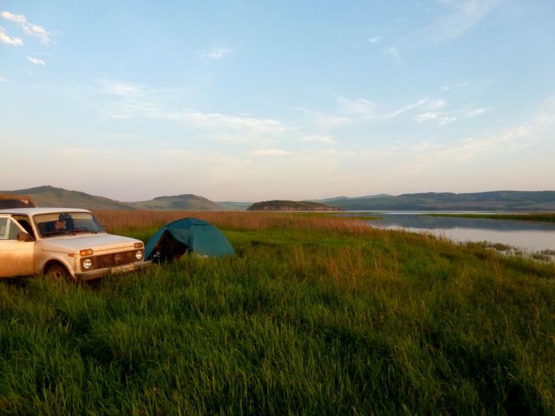 20180628. Вид на место ночной стоянки в Белоярском урочище, на берегу залива Сыда реки Енисей.