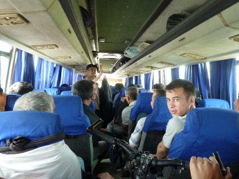 20120615. Еду в Павлодар в автобусе с узбеками-разнорабочими.
