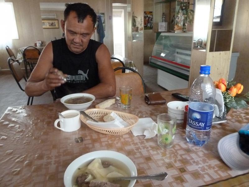 "20120628. Павлодар-Астана: ужин, ""мясо по казахски""."
