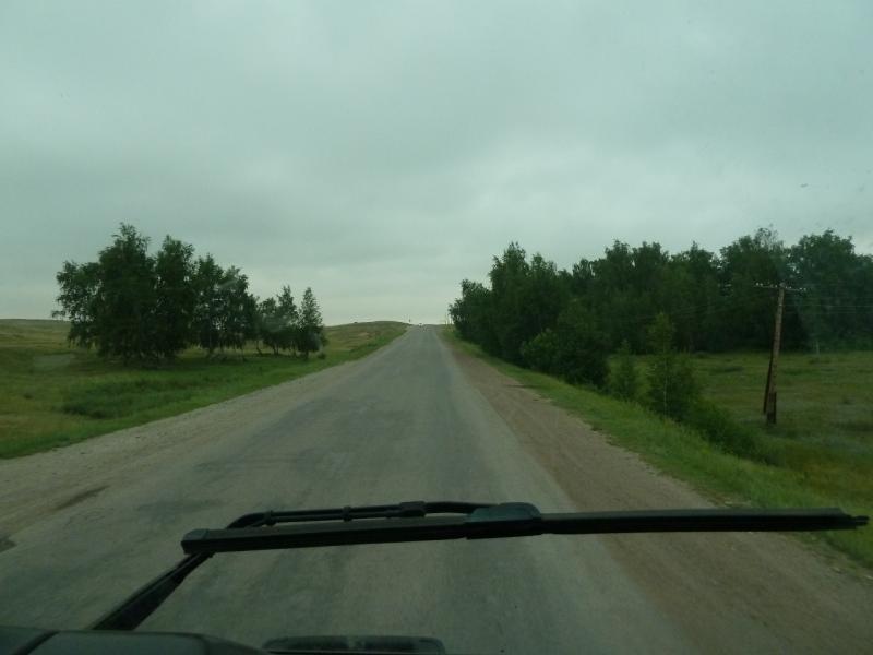 20120628. Павлодар-Астана: один из перевальчиков перед посёлком Ерментау.