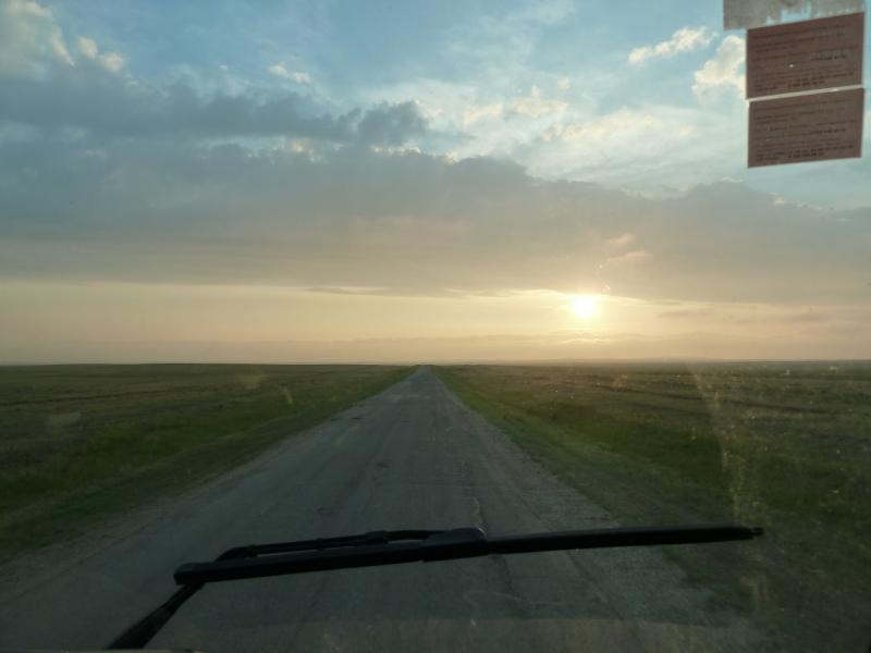 20120628. Павлодар-Астана: просто едем в Астану, уже несколько часов в пути.