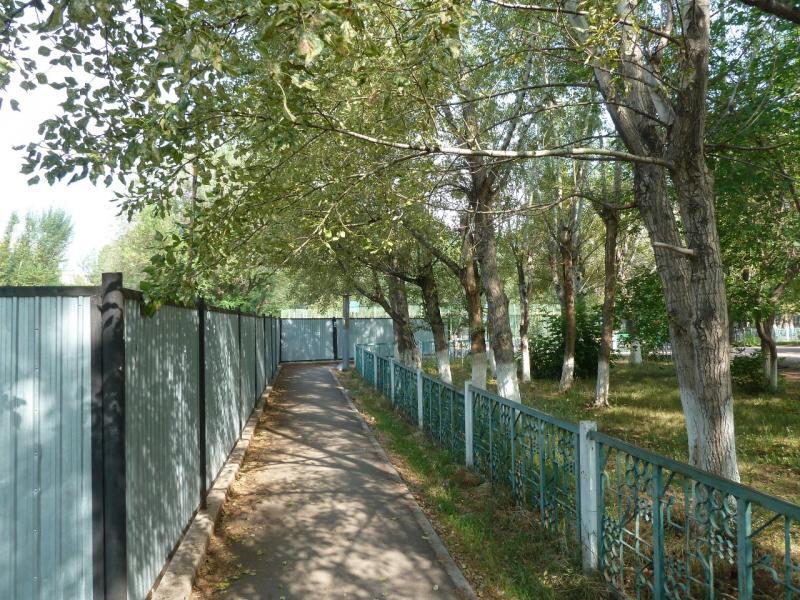 20120629. КТЛ-Астана: дворами и проходами Астаны.