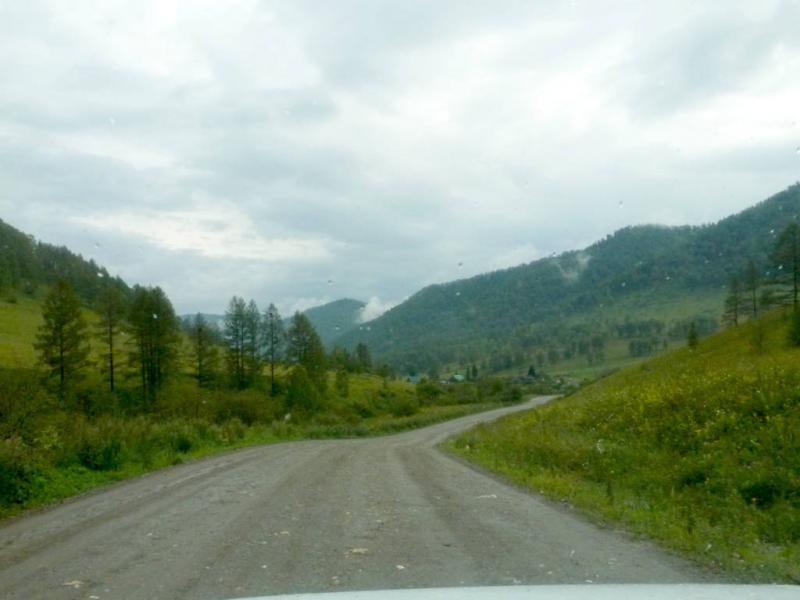 20180805. Спуск с Комаринского перевала вдоль речушки Белая.