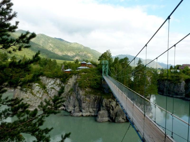 20180806. Подвесной мост через правый рукав реки Катунь на остров Патмос.
