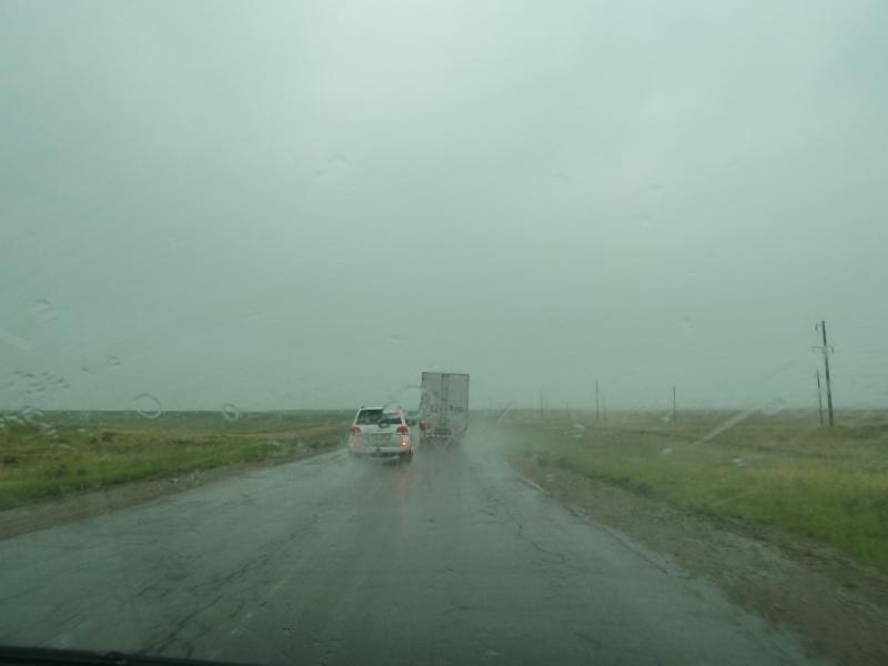 20120703. Астана-Павлодар: где дождик, там и ливень на подходе.