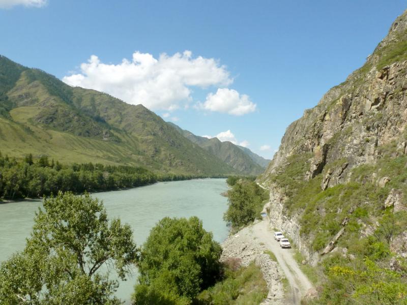 20180806. Последний кусок автомобильной дороги в южной оконечности Чемальского ущелья, перед водопадом Бельтертуюк.