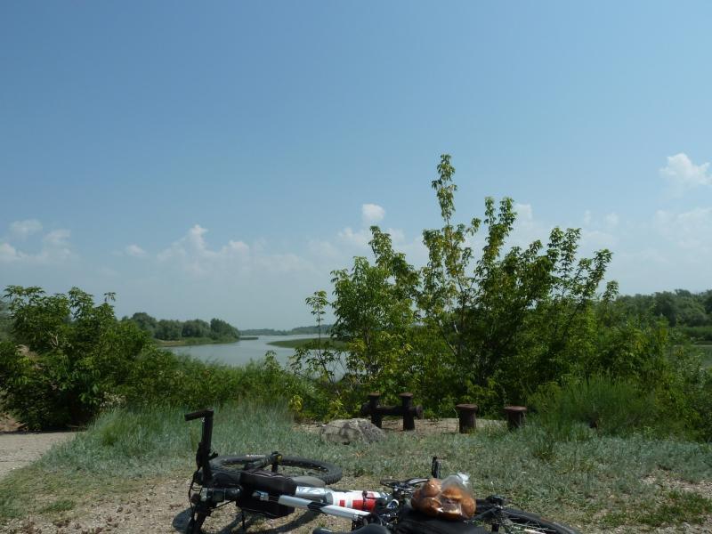 20120715. Аксу-Павлодар: у развалин речного порта Аксу (бывший Ермак).