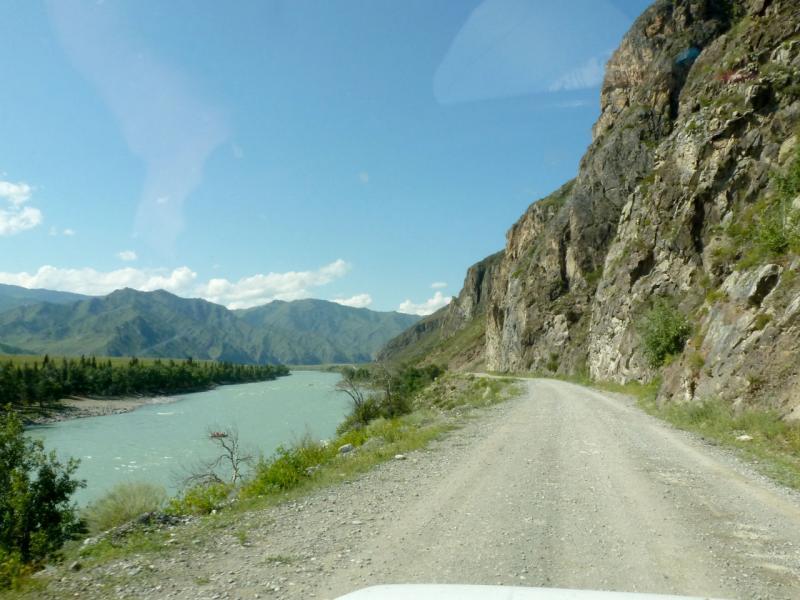 20180806. Дорога вдоль Катуни, чуть южнее Ороктойского моста.