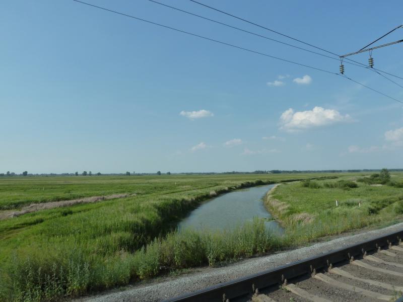 20120715. Аксу-Павлодар: протоками и старицами исчерчена вся пойма Иртыша в этих местах.