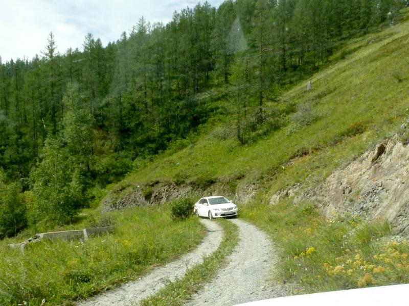 20180807. Не так уж и сложна старая дорога Чике-Таман, раз по ней легковушки свободно проезжают.