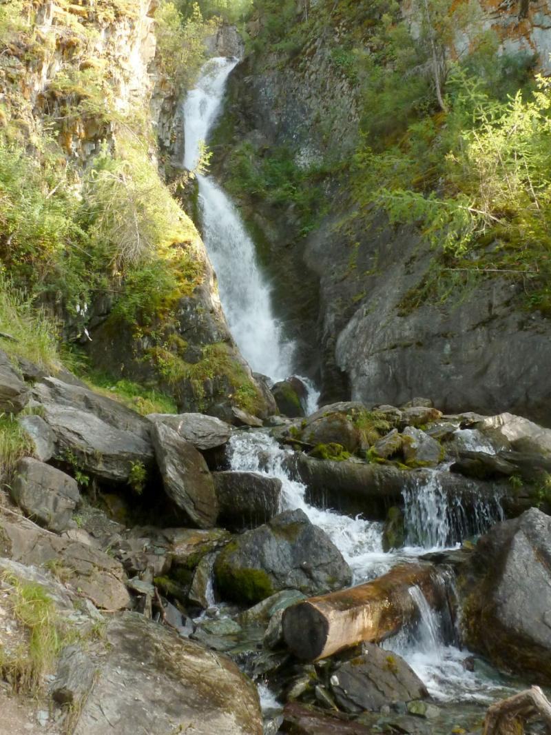 20180807. Водопад речушки Верхняя Карасу.