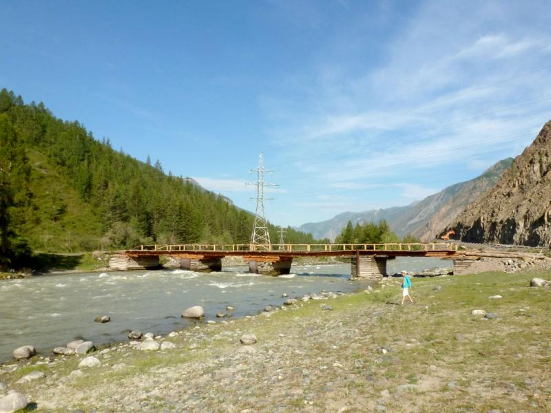 20180808. Деревянный мост через реку Чуя, в паре километров от села Чибит.
