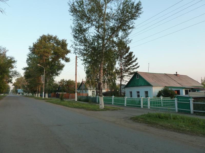 20120804. Одна из центральных улиц посёлка Ерейментау.