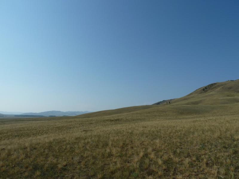 20120804. За холмом, левее - долина речки Карабулак.