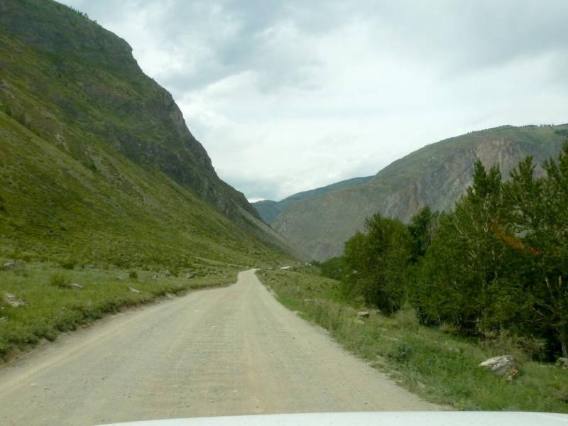 20180808. Грунтовая дорога в ущелье реки Чулымшан.