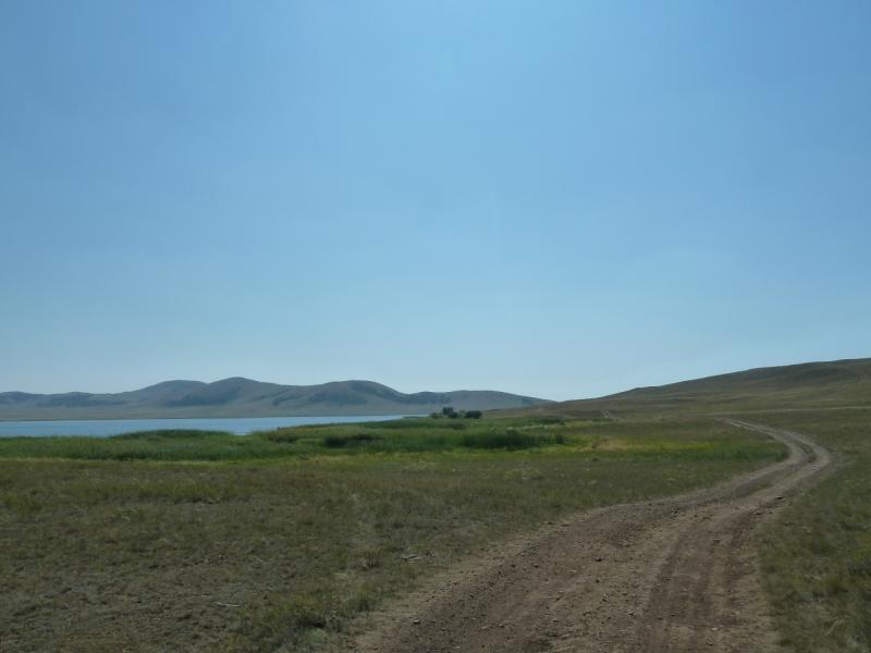 20120804. До озера Жартас совсем близко, пять минут езды на велосипеде.