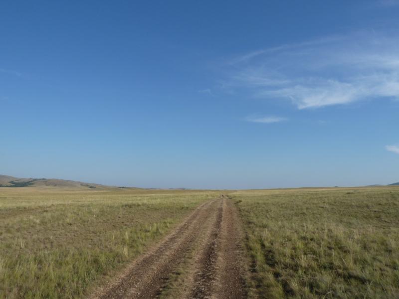 20120804. Дорога долиной ручья Карасу.
