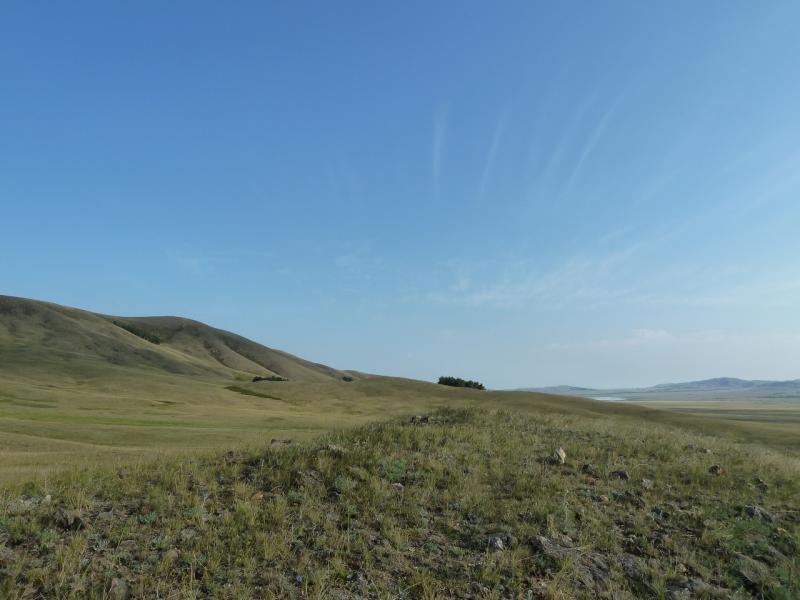 20120805. Вид с места стоянки в горах Ерейментау (вдали виднеется кусочек Байменского водохранилища).