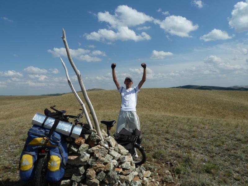 20120805. Илья сделал это! - первая вершина в 700 метров над уровнем моря покорена.