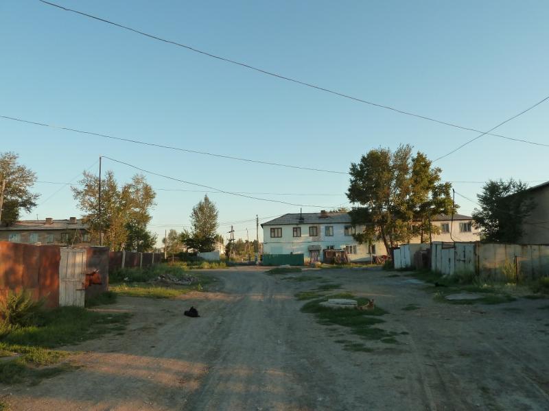 20120806. Улочка в посёлке Молодёжный.