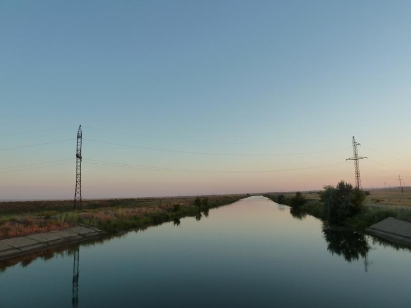20120806. Канал у водонапорной станции.