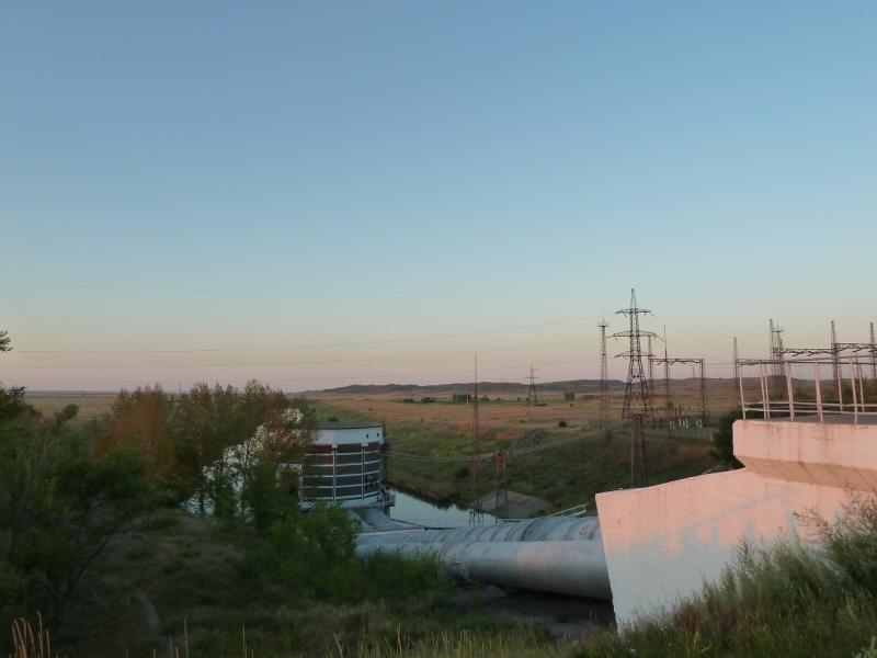 20120806. Водонапорная станция водохранилища гидроузла #11.