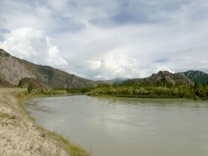 20180810. На изгибе реки Чуя, неподалёку от недостроенной Акташской ГЭС.