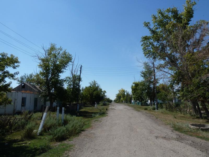 20120807. Улица села Щидерты (Карагандинской области).