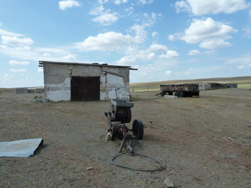 20120808. Молотилка, приводимая в действие от ВОМ трактора.