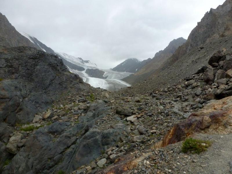 """20180812. На скалах """"Бараньи лбы"""", с видом на ледник Большой Актуру."""