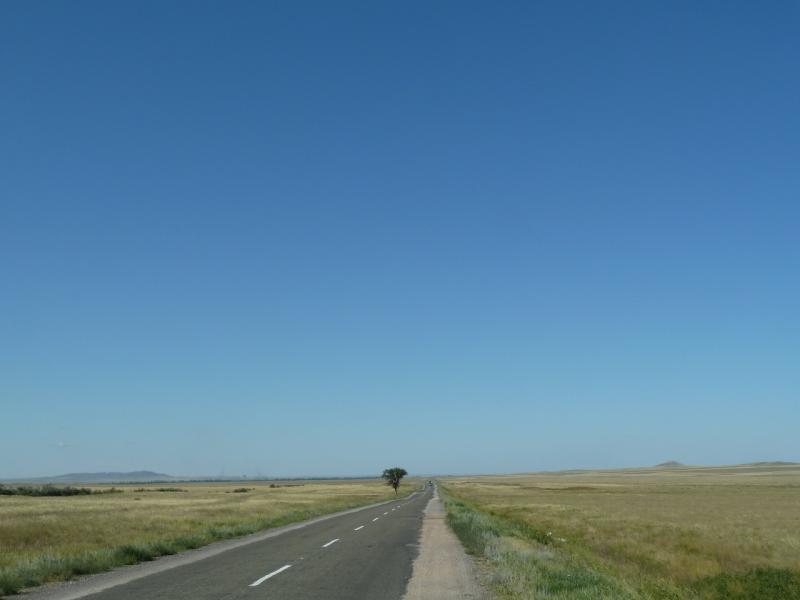 20120809. Дорога на Караганду, недалеко от посёлка Ульяновский.