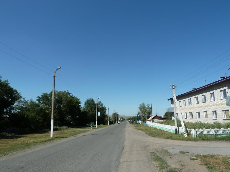 20120809. Одна из главных дорог посёлка Ульяновский.