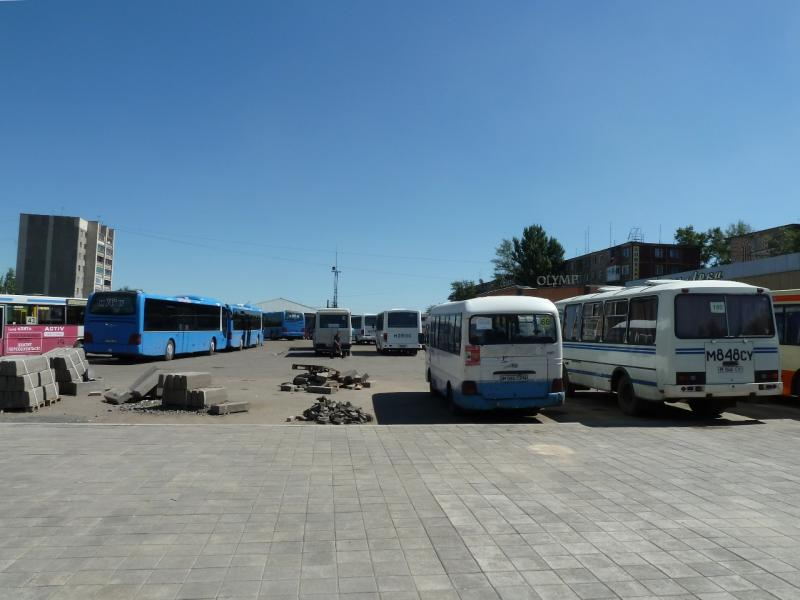 20120809. Автобусный вокзал северо-восточного пригорода Караганды (Октябрьский район).
