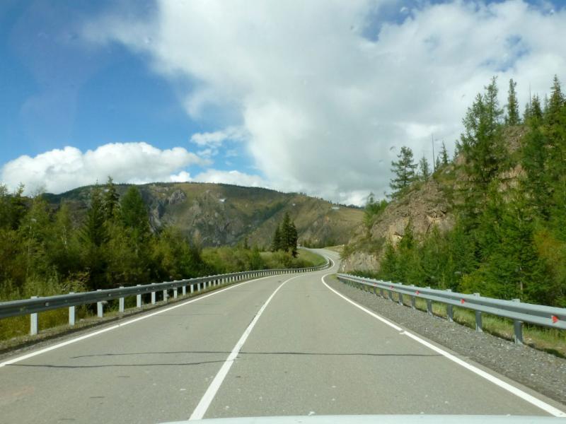 20180813. На главной трассе Алтая, вдоль Курайского хребта, за пятнадцать километров до села Акташ.