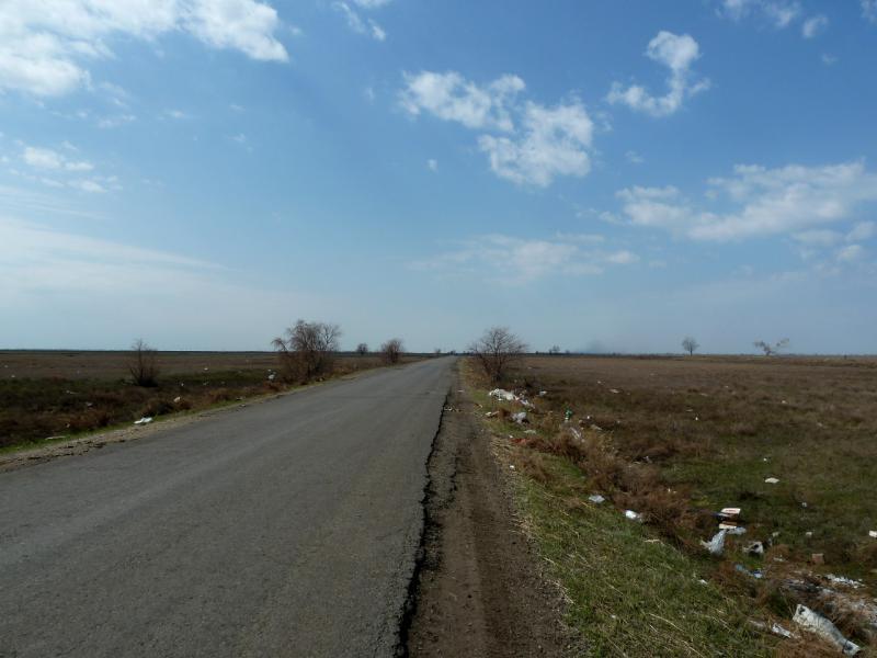 20130421. Дорога от Аксу к посёлку Оштерек (Уштерек).