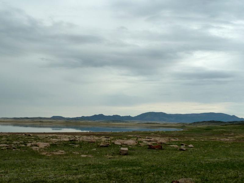 20130423. Солёное озеро Карасор, неподалеку от гор Караадыр и Сарыадыр.
