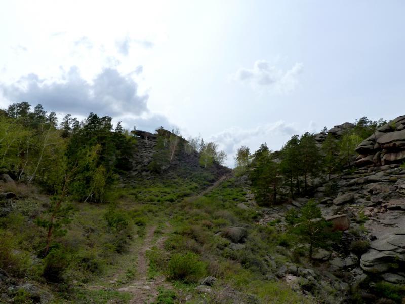 20130424. Небольшой перевал, по дороге от посёлка Торайгыр в симпатичную долину неподалеку.