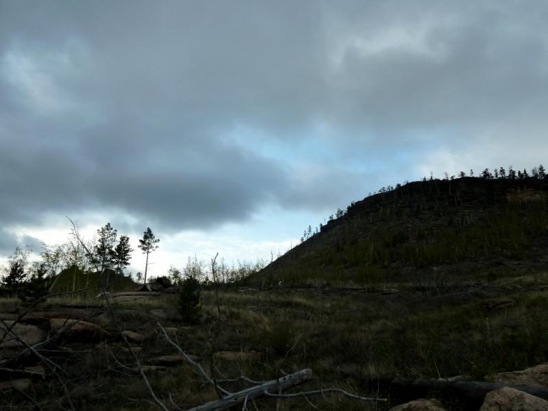 20130425. Утро в ущелье Баянаула, неподалеку от озера Джасыбай.