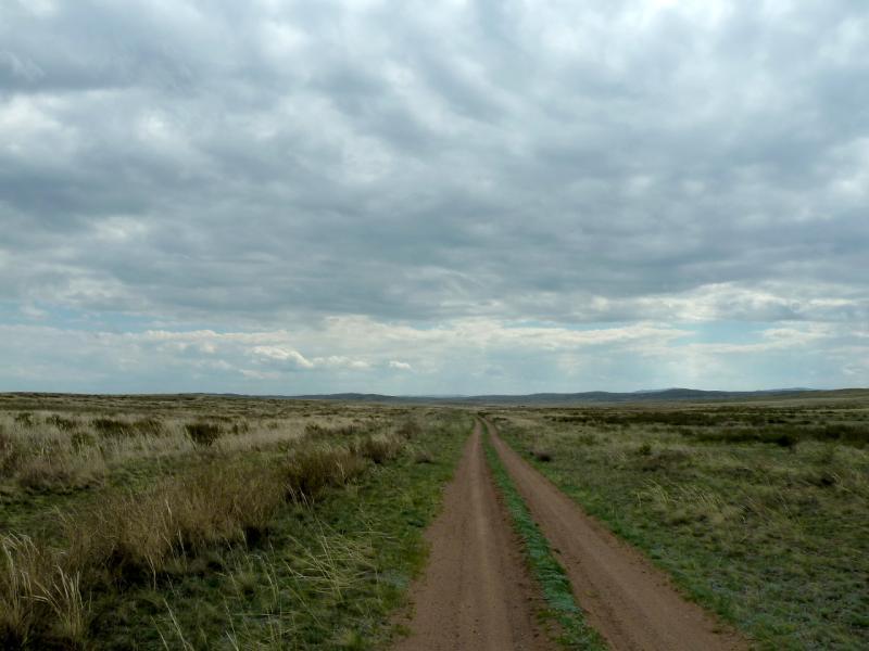 20130425. Дорога на юг, в мелкосопочнике.