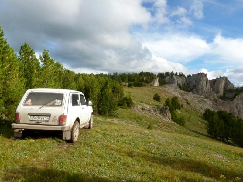 20180814. У скалистой высоты в полутора километрах от реки Тюгурюк, в центре Теректийского хребта.