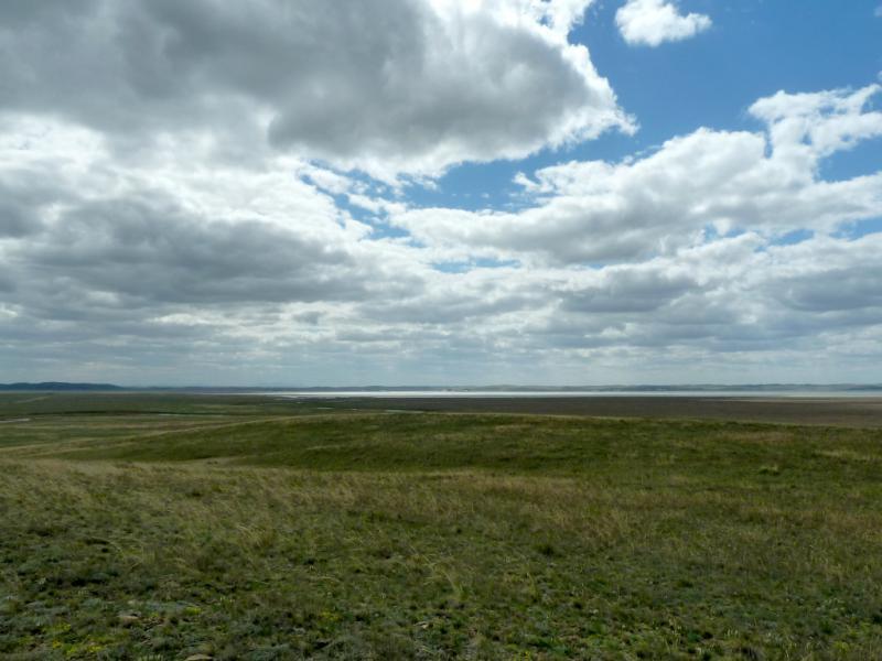 20130427. Вид на озеро Карасор, с пятикилометрового расстояния.