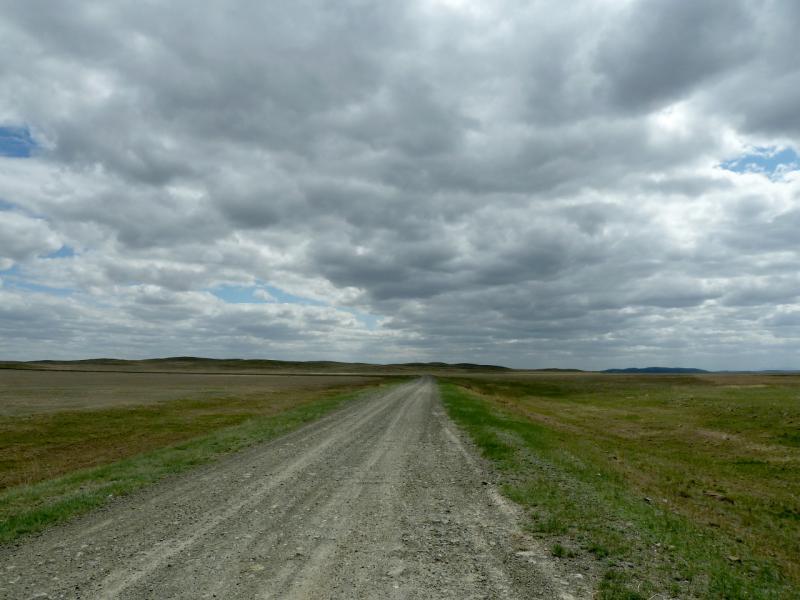 20130427. Грейдерная гравийная дорога к селу Коянды.