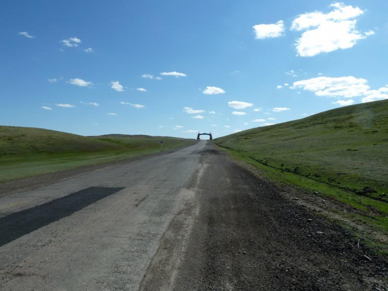 20130501. Тягучий подъём непосредственно перед городом Каркаралинск.
