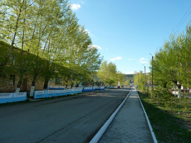 20130501. В Каркаралинске, на второстепенной улице города.