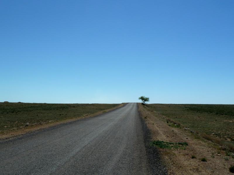 20130506. На дороге восточно-коунрадскими буграми.