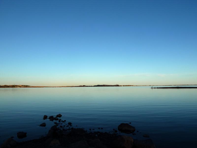 20130506. Вид на озеро Балхаш с набережной города Балхаш.